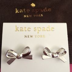 Kate Spade Bow Earrings Comes with the original box! Only used them a few times so they're in perfect condition. :) kate spade Jewelry Earrings