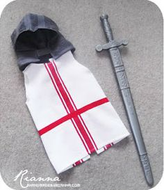 child's knight costume tabard and cowl...easy diy instructions...link to cowl instructions