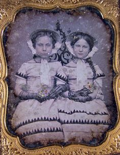 Antique Daguerreotype Dag Seated Young Twin Girls In Fancy Dresses Photograph Victorian Photos, Antique Photos, Victorian Gothic, Vintage Pictures, Vintage Images, Old Photos, Vintage Photography, War Photography, Vintage Twins