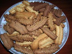 Kulinarne życie: Wspomnienie dzieciństwa - ciasteczka z maszynki Apple Pie, Desserts, Food, Tailgate Desserts, Deserts, Essen, Postres, Meals, Dessert