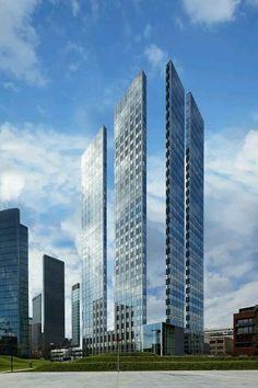Slim skyscraper