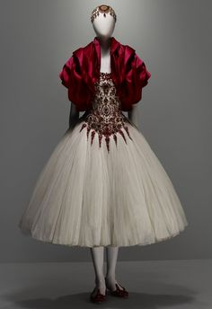 Whom You Know : ALEXANDER MCQUEEN SAVAGE BEAUTY AT THE MET: GO SEE IT AND HERE ARE 5 MORE REASONS WHY!!!!