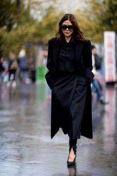 Paris Fashion Week Street Style Spring 2018 Day 5 - The Impression