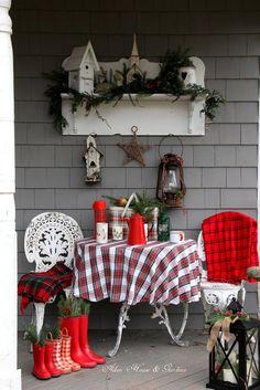 Aiken House & Gardens: The Christmas Porch