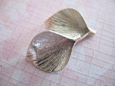 Shop SaleCALLA LILY Flower Pendants Charms Bead by FabulousRocks, $19.50