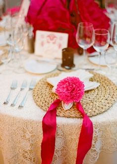 Sea grass place mat  decor, venue, reception, beige, elegant, hot pink, lace, place settings, destination, Zacatecas , Mexico