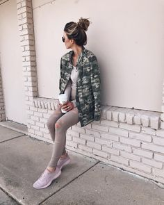Shop Your Screenshots™ with LIKEtoKNOW.it, a shopping discovery app that allows you to instantly shop your favorite influencer pics across social media and the mobile web. Swaggy Outfits, Camo Outfits, Cella Jane, Camo Jacket, Weekend Style, Poses, Business Casual, What To Wear, Autumn Fashion