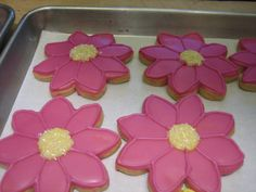 Hot pink gerber daisy cookies - can't wait to make these ;)