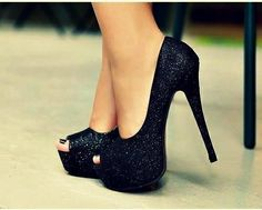 I would kill myself in these but sweet baby Jesus, I want them!