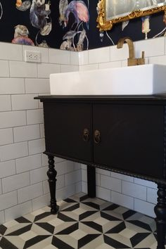 House Of Hackney Empire midnight wallpaper and white subway tile from Clé Tile on the walls and cement tiles - Cubicon - on the floor by Clé Tile Wallpaper Toilet, Bathroom Wallpaper, House Of Hackney Wallpaper, Empire Wallpaper, Bathroom Spa, Bathroom Ideas, Small Toilet, Downstairs Toilet, Up House
