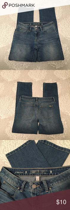 "Jennifer Lopez straight jeans Like new.  Jennifer Lopez straight leg jeans.  Approximate measurements:  waist (flat): 14"", inseam: 26 1/2"" Jennifer Lopez Jeans Straight Leg"