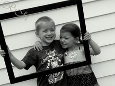 I have a frame I can bring! Sibling Pics, Siblings, Family Pictures, Baby Pictures, Photo Poses, Photo Shoot, Family Photography, Photography Tips, Brother Sister Photos
