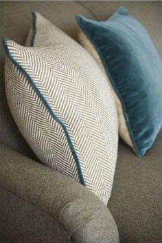 A textiles designer makes her mark on the English decorating scene Boho Pillows, Diy Pillows, Floor Pillows, Decorative Pillows, Throw Pillows, Teal Pillows, Upholstery Cushions, Velvet Cushions, Cushions On Sofa