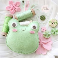 Glue Crafts, Sewing Crafts, Sewing Projects, Felt Crafts Patterns, Sewing Stitches, Blanket Stitch, Running Stitch, Back Stitch, Green Wool
