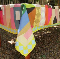 http://www.parangole.com.br/categoria-produto/festa-por-tema/its-a-small-world-after-all/ TOALHA ITS A SMALL WORLD CASAS