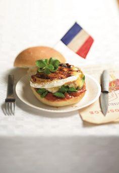 Burger parisien : La recette du hamburger au camembert