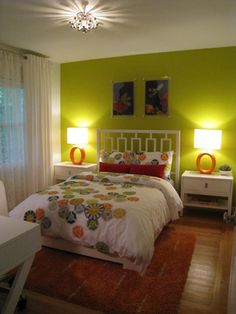 lime,orange,white    !!! LIME wall!!! <3