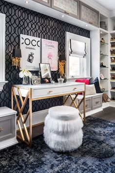 Client Story: Sabrina and Scott McGillivray - California Closets We teamed up with HGTV home renovation guru Scott Mcgillivray on this awe-inspiring walk-in closet Sala Glam, California Closets, California Room, Glam Room, Stylish Bedroom, Home Office Decor, Home Decor, Office Ideas, Desk Office