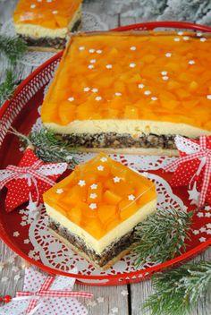 Kutia i ser to doskonałe, świąteczne połączenie. Ciasto zawierające ten duet smakuje rewelacyjnie. Całość dopełnia orzeźwiająca galaretka.