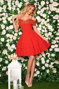 a5e9ffa88f Elegantné dámske šaty v žiarivej červenej Fashion