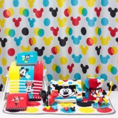 Disney S Minnie Mickey Mouse Shower Curtain Collection By Jumping Beans