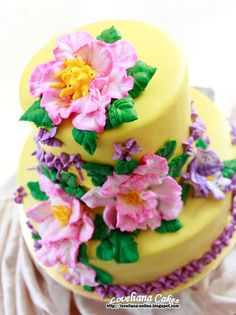 Wedding cake + Steam buttercream frosting + Buttercream flowers by http://loveliana-online.blogspot.com/
