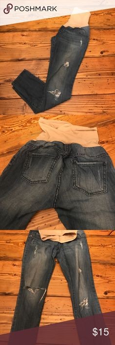 Maternity Skinny jeans with Holes Great condition original holes, fake front pockets vintage washed look denim is light and a little stretchy purchased from  motherhood brand is Indigo Blue Indigo Blue Jeans Skinny