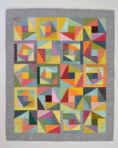 Beatiful color scheme in this modern and harmonious quilt from only solids