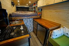 Van life interview with a couple that quit their engineering carrers and hit the road to mountain bike and go on splitboarding adventures. Read up on tips and tricks for travel, how they built their camper van conversion, and see the spacious interior! Ford Transit Campervan, Ford Transit Camper Conversion, Van Conversion Build, Diy Van Conversions, Sprinter Conversion, Build A Camper Van, Van Home, Design Your Kitchen, Bathroom Layout