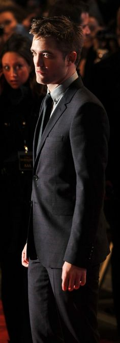 Robert Pattinson at the Breaking Dawn 2 premiere in London - November 2012