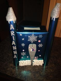 Elsa's Ice Palace Valentine Collection Box from Disney's Frozen Movie.