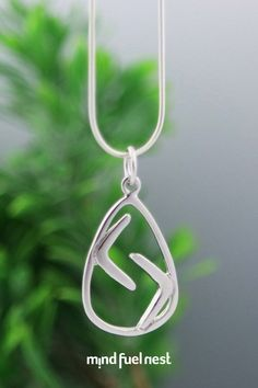 Karma is like a boomerang: whatever you give will eventually come back to you. This abstract boomerang pendant is here to help you put out positive energy and to always act with good intentions (because sooner or later, you get what you give! Infinity Necklace, Bar Necklace, Get What You Give, Mala Meditation, Motivational Wall Art, Meaningful Jewelry, Go Around, Positive Messages, Sentimental Gifts