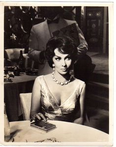 Great photo! GINA LOLLOBRIGIDA , f10966 | Entertainment Memorabilia, Movie Memorabilia, Photographs | eBay!
