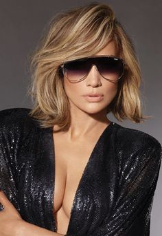 JLo & A-Rod's New Quay Australia's Sunglass Collection Sizzles – Latest Fashion Pretty Hairstyles, Bob Hairstyles, Simple Hairstyles, Pixie Haircuts, Latest Hairstyles, Braided Hairstyles, Medium Hair Styles, Short Hair Styles, Jlo Short Hair