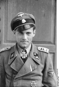 SS-Hauptscharführer Alfred Günther (25 April 1917 – 15 June 1944) after receiving his Knights Cross in June 1943, he was later promoted to the rank of SS-Untersturmführer. (1.SS Division Leibstandarte SS Adolf Hitler).