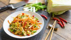 Азиатский куриный салат: целых 19 г белка!