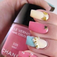 Opaque, pearls & gold. Cool!