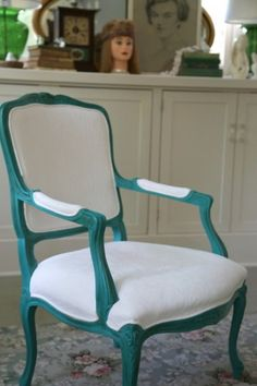 Chalk Paint® decorative paint by Annie Sloan on Fabric | One of the Most Shocking Things You Can Paint by The Decorologist