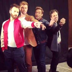 Avengers - Marvel - Game of Thrones Marvel Dc Comics, Marvel Avengers, Hero Marvel, Avengers Cast, Marvel Actors, Avengers Bloopers, Avengers Humor, Funny Marvel Memes, Marvel Jokes