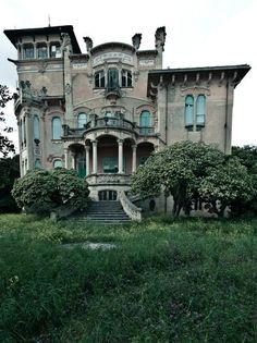 snarksandkisses:  La Villa Zanelli, Savona, Italy Built in 1907 by Nicholas Zanelli, situated in a large garden in direct communication with the sea, until 1933 belonged to the family of Zanelli, and then sold to the municipality of Milan, which transformed it into camp and international colony and during WWII, as a field hospital. It is currently in a state of neglect.