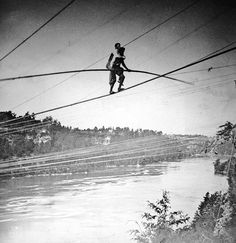 Incredible. The famous Blondin made his first crossing of Niagara Falls on June 30th, 1859, watched, it was calculated, by 100,000 people. Here his manager, Harry Colcord, is carried piggy-back (via @Fitzgerald Georgia Today)