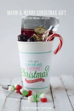 Trying to figure out some great ideas for neighbor gifts? This warm and and merry cup with a free printable sleeve can be filled with anything! Christmas Coffee, Christmas Gift Tags, Valentine Gifts, Christmas 2016, Christmas Crafts For Adults, Christmas Decorations For Kids, Elephant Birthday, Merry Happy, Diy Shops