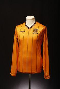 Hull City Football Shirt (Home, 2009)