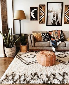 Beautiful boho living room in southwest style. The Rostoran… - H Schönes Boho-Wohnzimmer im Südwestenstil. Der Rostoran … – Haus Garten Beautiful boho living room in southwest style. The Rostoran … room - Boho Living Room, Home And Living, Cozy Living, Small Living, Earthy Living Room, Burnt Orange Living Room, Living Room Ideas Earth Tones, Lamps In Living Room, Moroccan Living Rooms