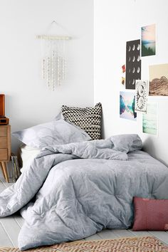 Plum & Bow Kylee Block Comforter - Urban Outfitters