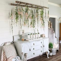 Retro home decor - Inexpensive and brilliant retro decor. retro home decor ideas plants smashing suggestion reference 2720075365 shared on this day 20190316 Retro Home Decor, Diy Home Decor, Vintage Decor, Living Room Decor, Bedroom Decor, Spring Home Decor, Spring Decorations, Diy Décoration, Entryway Decor