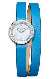 Relógio Baume  Mercier Feminino Couro Azul - M0A10288 -BM - MarcasBaume  MercierSegmentoFemininoModeloM0A10288MecanismoSwiss made QuartzoResistência5 ATMDatadorNãoCronógrafoNãoGarantia2anosTamanho22 mmMaterial vidroCristal de SafiraCorAzulModelo caixaRedonda