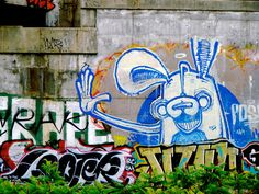 A massive POSER bunny appearing in a prime location under a bridge near Roncesvalles
