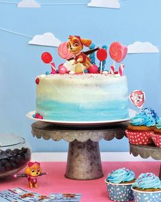 This is the #Skye #cake I made for Nickelodeon Parents earlier in the month  #PawPatrol #lollipops #cupcakes