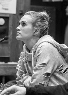 #carrieunderwood Carrie Underwood American Idol, Carrie Underwood New Album, Carrie Underwood Pictures, Country Music Artists, Country Singers, Chris Young, Carry On, Fashion Dictionary, Celebrities